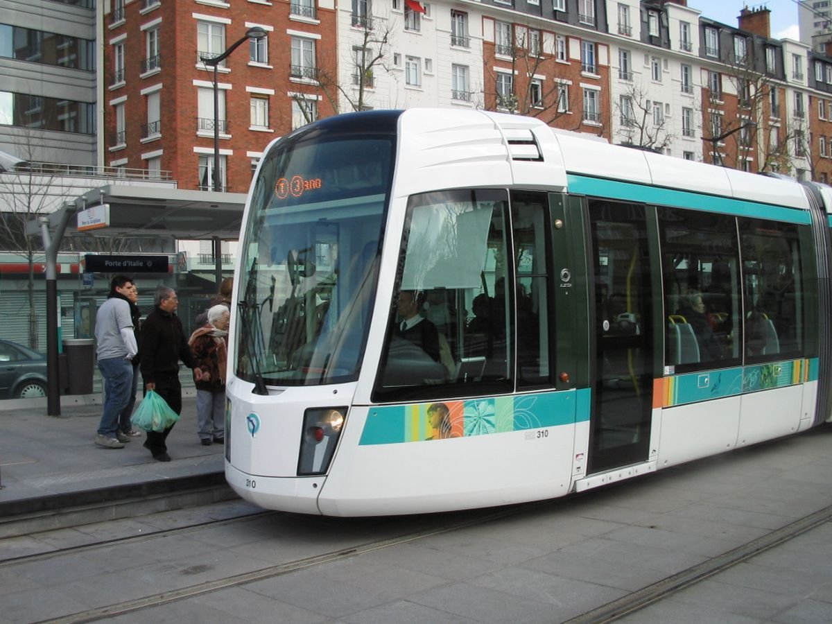 Tram in Paris