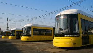 Flaexity-Straßenbahnen warten auf den Einsatz