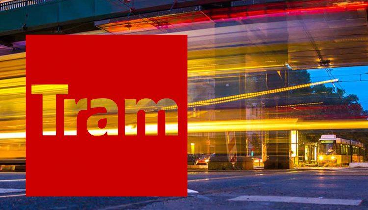 Pro Straßenbahn Berlin - Straßenbahn saust durch die Nacht